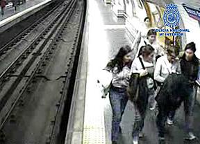 Así robaban 'las Bosnias' en el Metro
