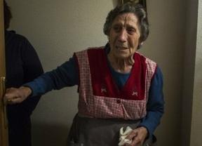 La solidaridad que no cesa: el Rayo anuncia nuevas medidas de apoyo a Carmen 'su' desahuciada
