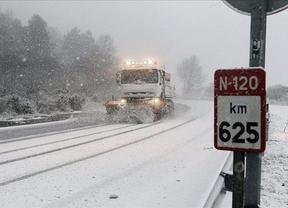 La nieve sigue tapando hoy España: 44 provincias están en alerta también por viento, aludes, oleaje o bajas temperaturas