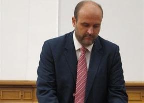 El PSOE pide a Cospedal que abandone la Junta porque es un
