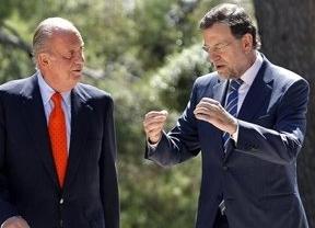 Rajoy anuncia que prorrogará la ayuda de los 400 euros, pero con una fórmula