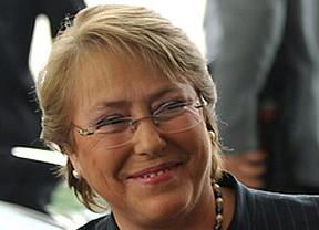 Chile, otro país de Latinoamérica que gira radicalmente a la izquierda: Bachelet arrasa en primera vuelta