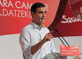 Sánchez, a dos bandas: respalda el apoyo del PSC a la ley de consultas y, al tiempo, el recurso de Rajoy ante el Constitucional