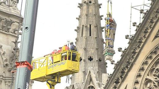 Comienzan las obras para cubrir la catedral de Notre Dame