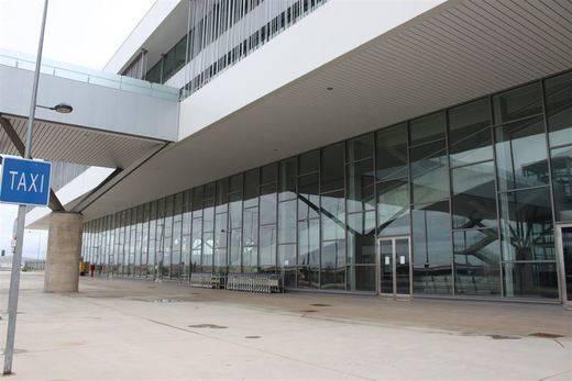 Ya son ocho las ofertas presentadas por el aeropuerto de Ciudad Real