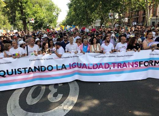 Orgullo 2018: más de 700.000 almas, con dos ministros a la cabeza, salen la conquista de la igualdad en Madrid