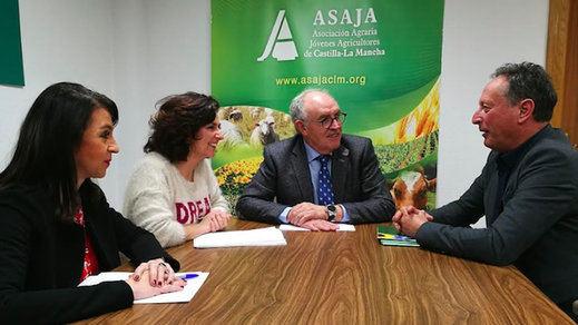 Ciudadanos y ASAJA C-LM se reúnen para buscar soluciones a los problemas del sector de los frutos secos
