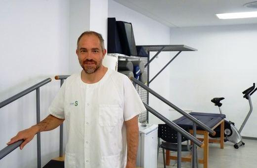 El fisioterapeuta Jesús Segura de Ciudad Real investiga la efectividad del tratamiento del síndrome del túnel carpiano con electrolisis percutánea