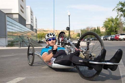 Un paciente de Parapléjicos participará en la GP Handbike Skoda