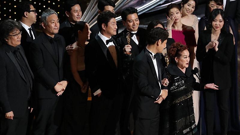 'Parásitos' hace historia en los Oscar: primera película ganadora que no está rodada en inglés