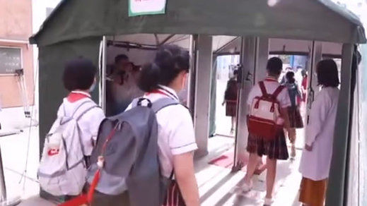 Pekín se blinda ante el rebrote de coronavirus: vuelos cancelados y confinamiento casi total