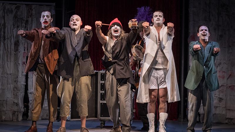'Rhumans': el clown y sus mil caras