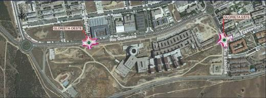 El Ayuntamiento construirá dos rotondas de acceso al nuevo Hospital en Guadiana y Estenilla