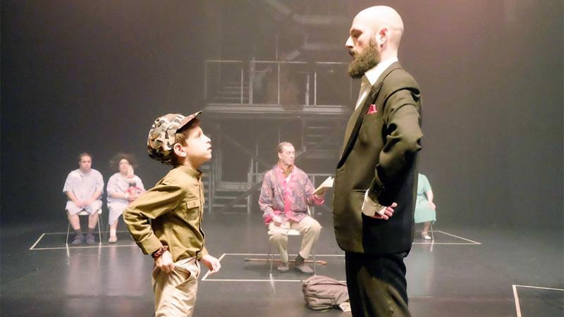 'Postales para un niño': mucho más que teatro, pero también teatro