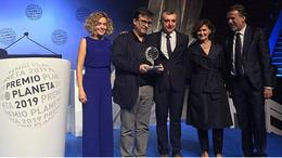 Javier Cercas gana el Premio Planeta 2019 con una novela sobre los Mossos y los disturbios en Cataluña de 2017