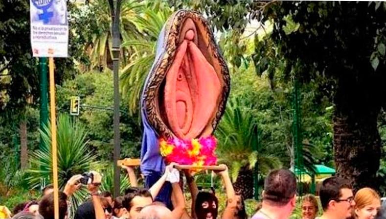 Procesión de la vagina en Sevilla