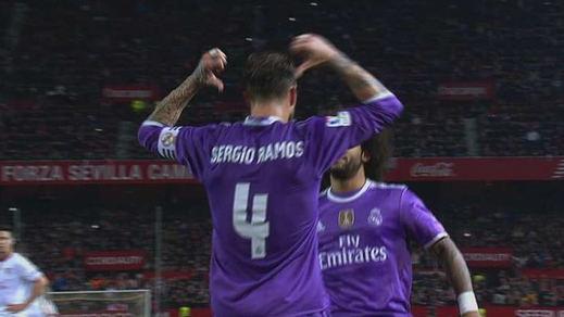La polémica respuesta de Sergio Ramos a los ultras del Sevilla tras marcar de penalti (vídeo)