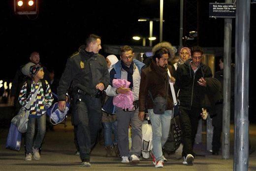Castilla-La Mancha adecuará 10 oficinas y el teléfono 012 para atender refugiados