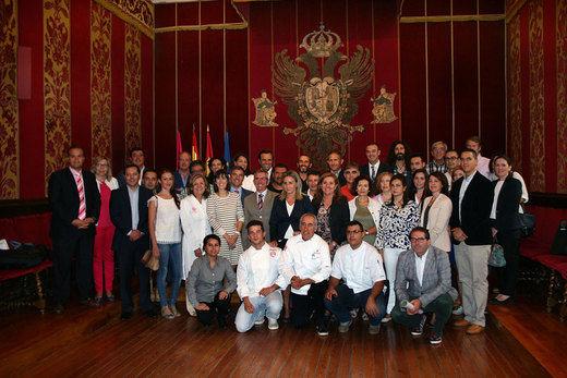 Los hosteleros apoyan al Ayuntamiento de Toledo para lograr la Capitalidad Gastronómica en 2016