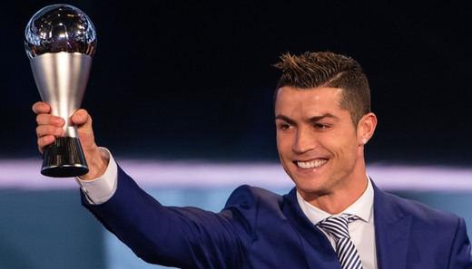 Cristiano cierra su 'annus mirabilis' 2016 con el premio al mejor jugador del mundo