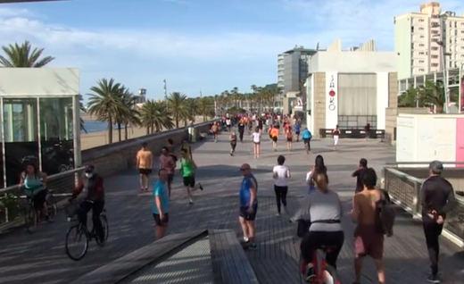 El confinamiento por el coronavirus vuelve 'runners' a los españoles y arden las redes sociales