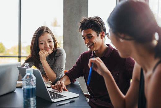 ¿Qué beneficios tiene el estudio online frente al presencial?