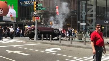 Un muerto y 22 heridos al embestir un coche a la multitud en pleno centro de Nueva York