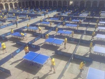 Ocaña (Toledo) consigue el Record Guinness de más gente jugando a tenis de mesa