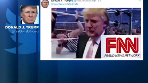 Trump sube un vídeo de ¿broma? simulando pegar a un periodista