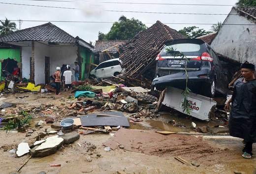 El tsunami de Indonesia deja ya más de 370 muertos