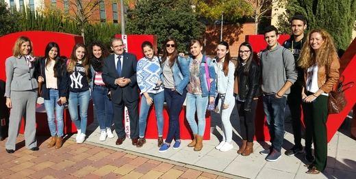 Caja Rural CLM traslada a los estudiantes universitarios sus propuestas de empleo