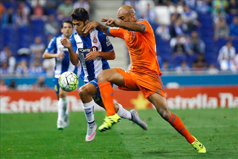 1-0. El Espanyol se reivindica ante un Valencia con dudas