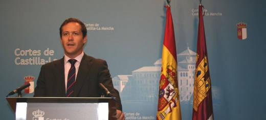 El PP denuncia que los presupuestos de Page incrementan los privilegios de Podemos