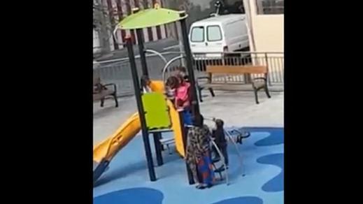 Racismo en un parque infantil: el vídeo de la vergüenza