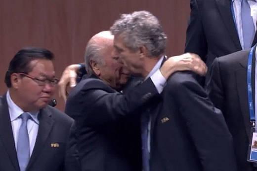 Villar desobedeció a la UEFA de Platini y votó a favor de su amigo Blatter para presidir la FIFA