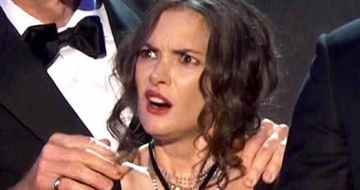 Winona Ryder se convierte en viral por poner mil y una caras distintas