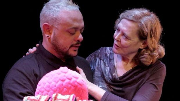 'Una guarida con luz' suma a actores profesionales a otros refugiados e inmigrantes