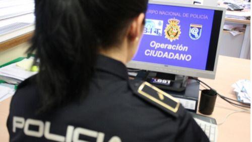 Mujeres policías relatan sus vivencias por las calles a través de Twitter