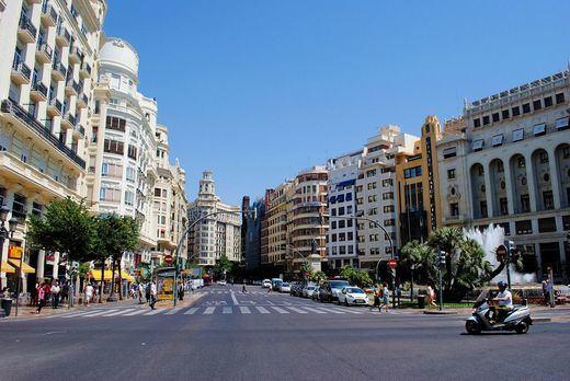 La Comunidad Valenciana, del milagro económico a estar al borde del colapso, presenta la mayor deuda autonómica